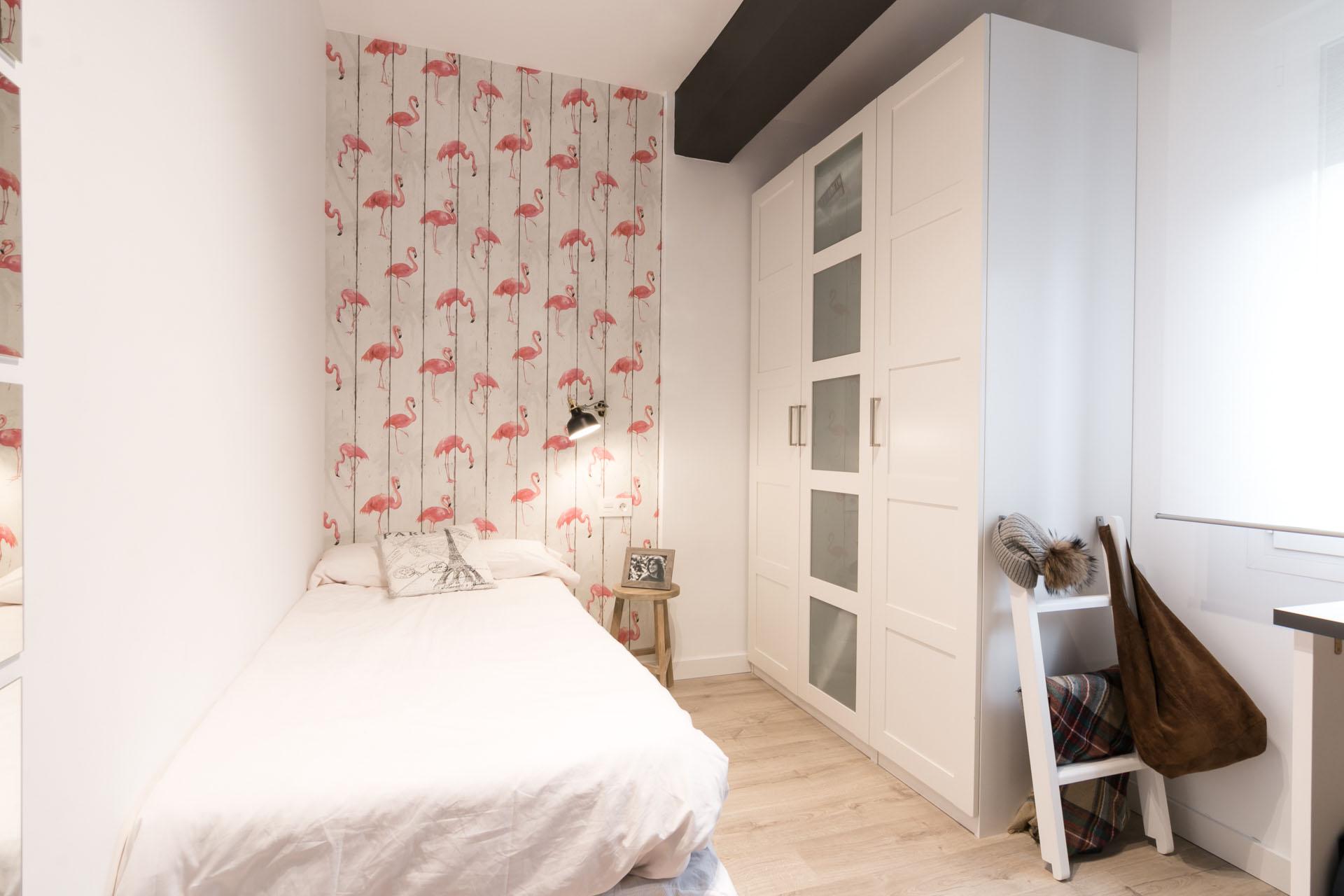 habitación decorada en blanco
