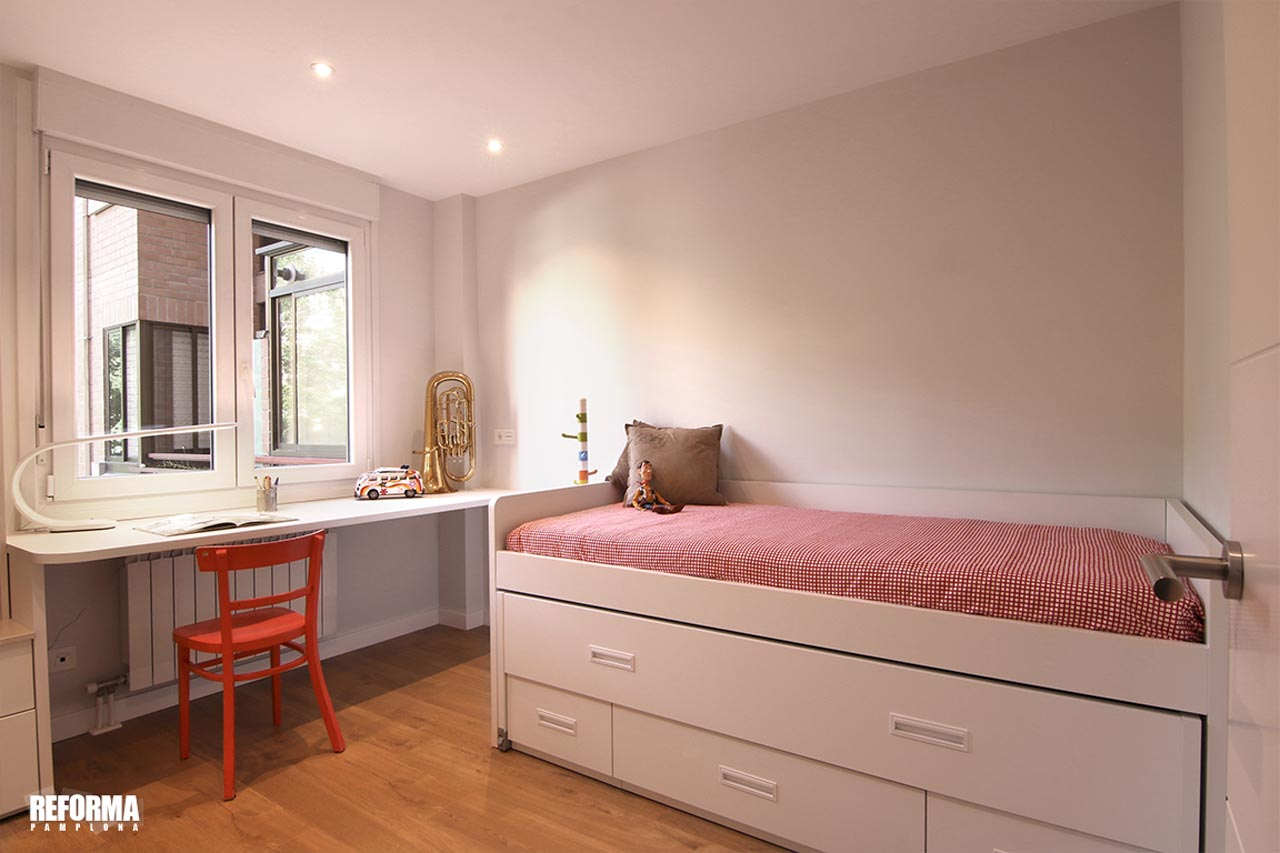 reforma-dormitorio-con-escritorio--iturrama