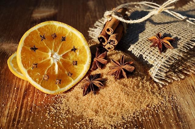 naranja, canela y clavo dan buen olor