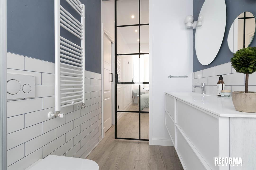 colores saturados cuarto de baño 02